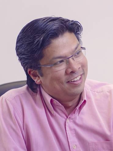 Mr Kelvin Gomez